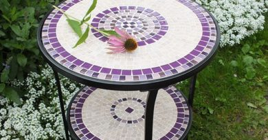 Стол с мозаикой
