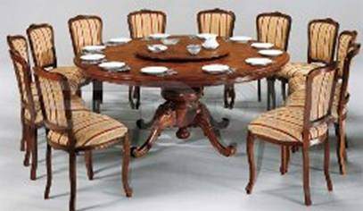 Круглый стол с крутящимся центром