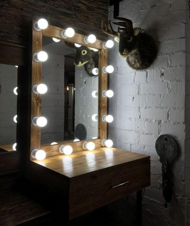 гримерный столик с подсветкой и зеркалом мебель своими руками