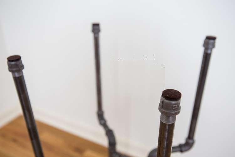 Подпятники на ножки барного стула из труб