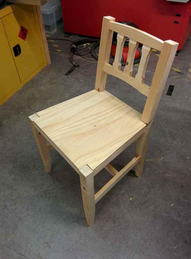 Установка фанерного сиденья на деревянный стул
