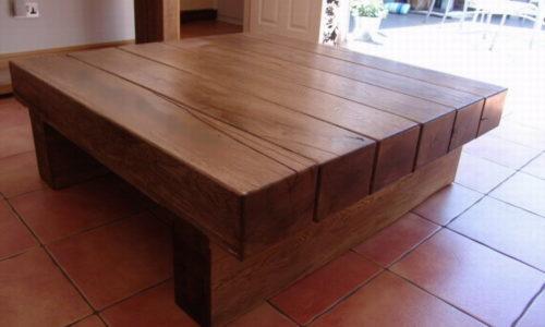Фото сделанного своими руками стола из дерева
