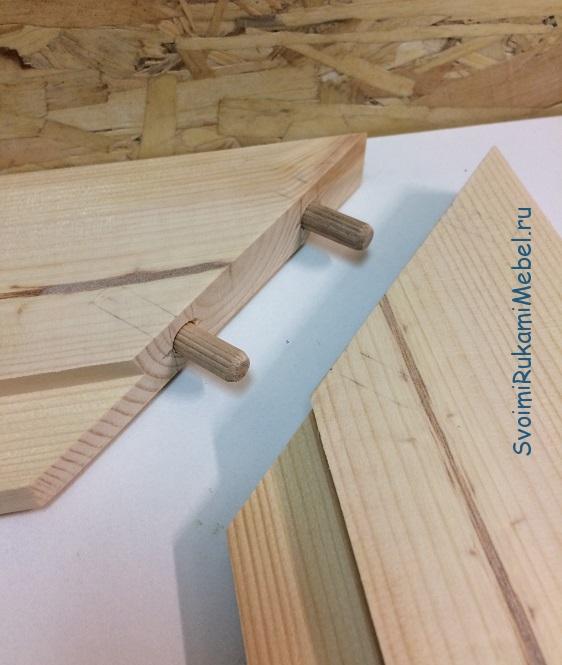 Пример соединения деталей в угол 90 градусов с помощью деревянных шпунтов 10 мм